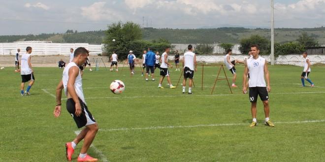 Pandurii Târgu-Jiu va juca azi un meci amical cu SCM Argeş Piteşti