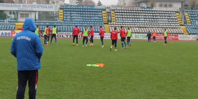 Pandurii s-au antrenat azi sub comanda antrenorului secund Dorian Gugu