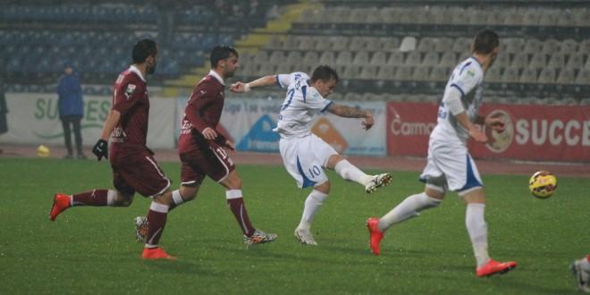 Pandurii încheie sezonul cu un meci în Giuleşti