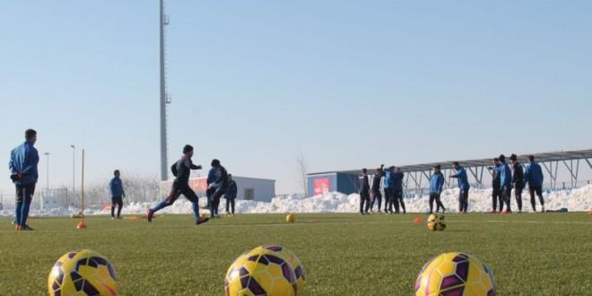 Pandurii Târgu Jiu joacă azi de la ora 17:00 contra celor de la Tom Tomsk