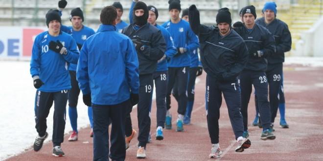 Pandurii Târgu Jiu susţin azi primul antrenament la Târgu Jiu după revenirea din stagiul din Antalya