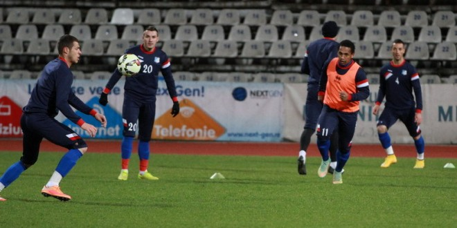 Pandurii Târgu Jiu a remizat la Piatra Neamţ, scor 1-1, pe un teren aproape impracticabil