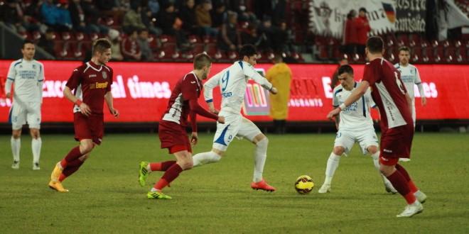 LIVE SCORE / Pandurii conduce la Cluj cu scorul de 3-0 prin golul lui Eric