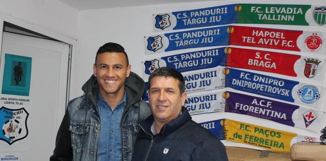 Alex dos Santos şi-a vizitat foştii colegi de la Pandurii