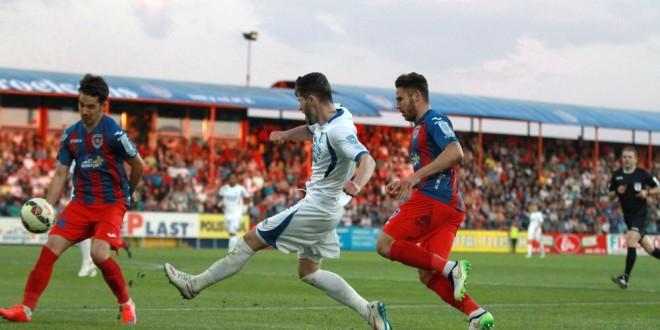 Pandurii Târgu Jiu a pierdut meciul susţinut în deplasare cu ASA Târgu Mureş, scor 2-1 pentru formaţia gazdă