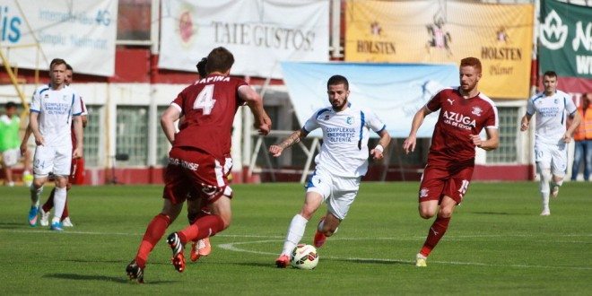 FOTO / Pandurii Târgu Jiu, victorie clară la final de sezon, 3-0 în Giuleşti cu FC Rapid Bucureşti