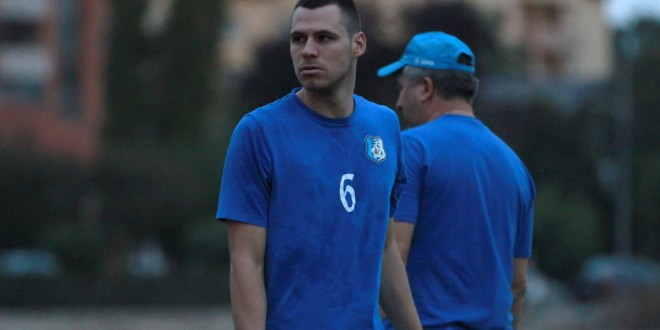 Fundaşul Nikola Vasiljevic a revenit la pregătire după aproximativ trei luni de absenţă de pe teren