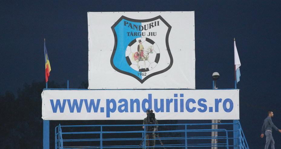 PANDURII 22