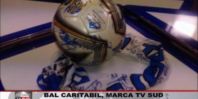 Minge şi eşarfă cu autografele jucătorilor echipei Pandurii, scoase la licitaţie la balul caritabil organizat de TV Sud