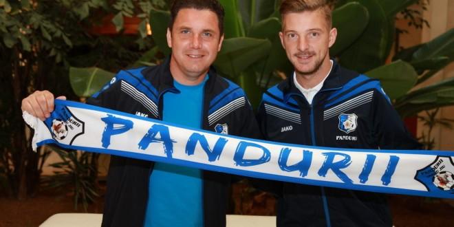 Liviu Antal a fost împrumutat de Pandurii Târgu Jiu pentru şase luni de la Hapoel Tel Aviv