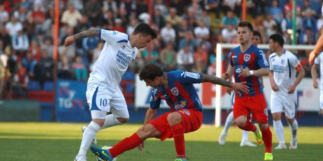 Pandurii Târgu Jiu, prima echipă care a învins ASA Târgu Mureş pe propriul teren în acest sezon