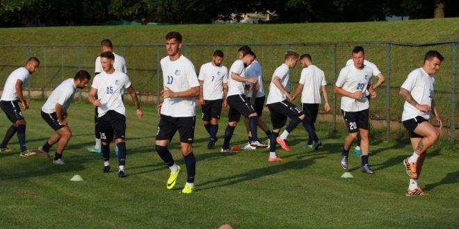 Jucătorii echipei Pandurii au efectuat aseară primul antrenament din cantonamentul de la Maribor