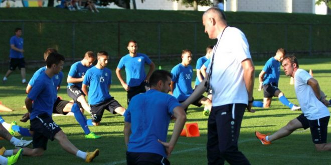 Antrenorul Petre Grigoraş a condus aseară primul antrenament al echipei Pandurii Târgu Jiu