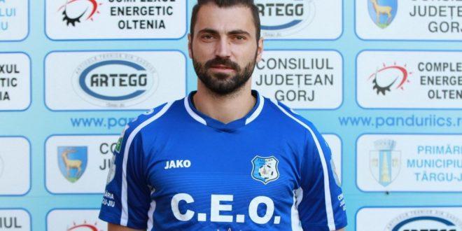 Pandurii Târgu Jiu a reziliat pe cale amiabilă contractul cu Adrian Ropotan