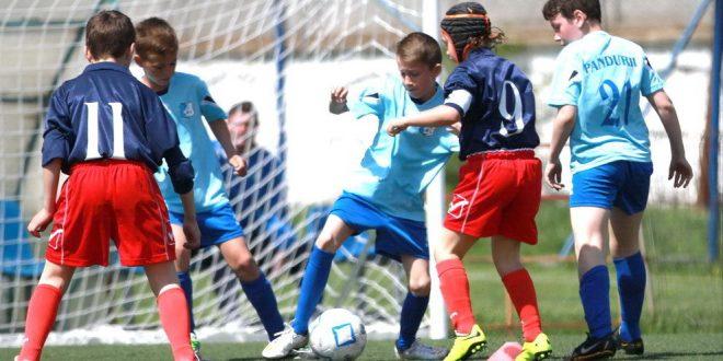 Juniorii C, D şi E ai clubului Pandurii debutează azi în noul sezon cu meciuri directe între echipele clubului