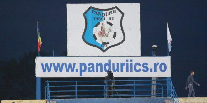 Pandurii Târgu Jiu s-a impus cu scorul de 3-0 în meciul din Cupa României cu ASU Poli Timişoara