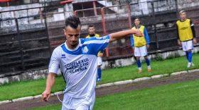 Pandurii II Târgu Jiu s-a impus cu scorul de 3-1 în ultimul meci al turului Ligii a treia, Roberto Dumitru a marcat din nou