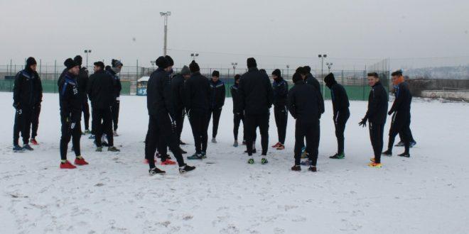 Jucătorii echipei Pandurii Târgu Jiu au efectuat luni vizita medicală la Policlinica Sportivă din Craiova