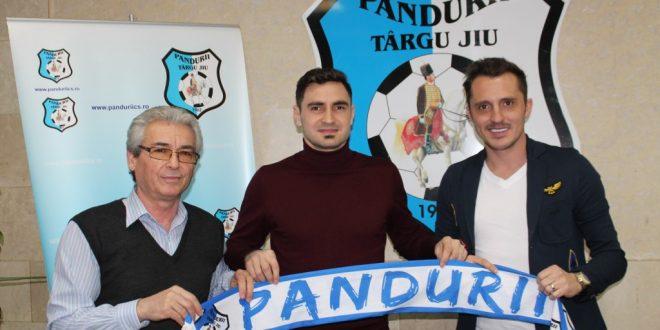 COMUNICAT / Atacantul Paul Batin a semnat azi un contract cu Pandurii Târgu Jiu