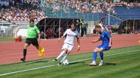 Pandurii Târgu Jiu a debutat în sezonul 2017 – 2018 al Ligii a doua cu un rezultat de egalitate, scor 0-0 cu FC Argeş