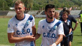 Jucătorii echipei Pandurii Târgu Jiu au purtat la meciul cu Chindia Târgovişte un echipament nou, marca Luanvi