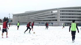 Pandurii Târgu Jiu va susţine marţi primul meci amical din perioada de pregătire