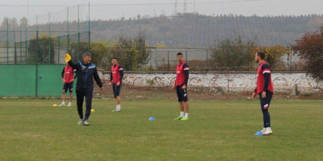 Pandurii Târgu Jiu a început seria meciurilor amicale cu o victorie, scor 2-0 cu Internaţional Băleşti