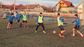 MECI AMICAL / Pandurii Târgu Jiu va juca azi, pe terenul de la Rovinari, un meci amical cu Flacăra Horezu
