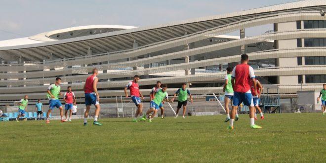 Pandurii Târgu Jiu a început cantonamentul de vară cu un lot de 25 de jucători