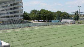A fost întins gazonul sintetic pe terenul 2 din incinta Complexului Sportiv Municipal
