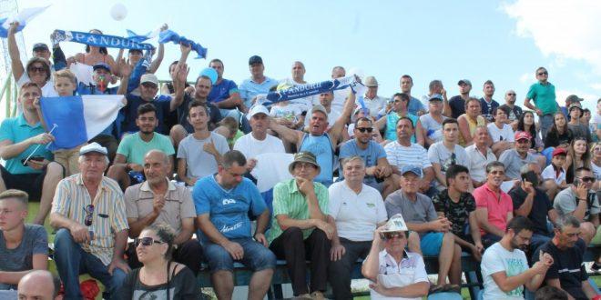 Mulțumiri din partea clubului Pandurii Târgu Jiu pentru cei peste 1000 de suporteri care au salutat revenirea acasă a echipei