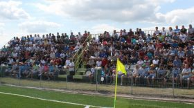 FOTO / IMAGINI DIN TRIBUNELE TERENULUI SINTETIC LA MECIUL PANDURII – FC ARGEȘ