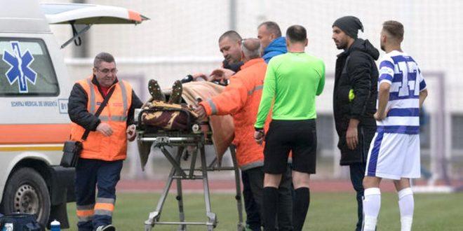 Accidentat la cap în meciul cu ASU Politehnica, Denis Brînzan a fost transportat la spital după ce a fost chemată a treia ambulanţă