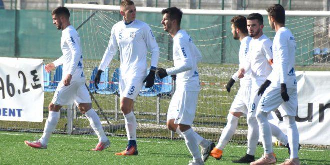 Pandurii Târgu Jiu a pierdut meciul disputat în deplasare în  etapa a 21-a, scor 3-1 pentru FC Argeş