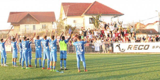 Pandurii Târgu Jiu aşteaptă suporterii sâmbătă 1 decembrie la ultimul meci disputat în acest an pe terenul sintetic