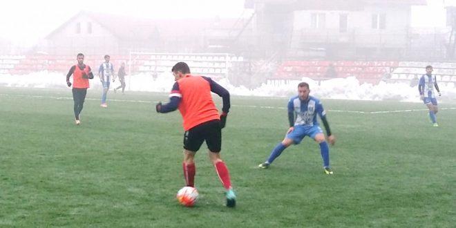 Pandurii Târgu Jiu a câştigat primul meci amical din perioada de iarnă, scor 2-1 cu Cetate Deva
