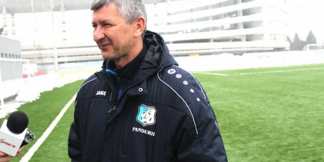 """Adrian Bogoi: """"Nu avem concurenţă deocamdată în apărare şi avem foarte mulţi copii în lot"""""""