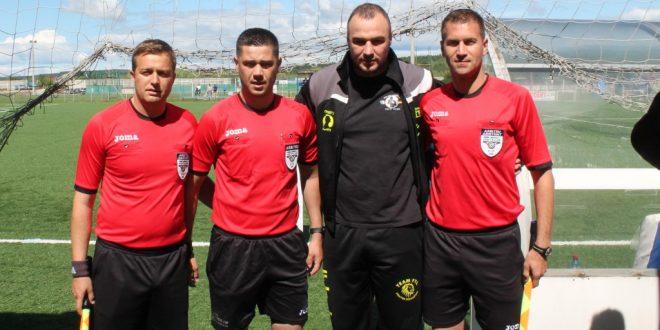 FOTO /Campionul European Alexandru Gabroveanu a fost invitat să dea lovitura de începere la meciul dintre Pandurii Târgu Jiu și ASU Poli Timișoara