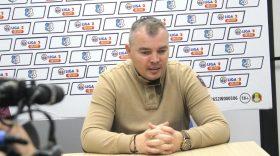 Antrenorul Călin Cojocaru a fost prezentat oficial la Pandurii Târgu Jiu şi va debuta la meciul cu Rapid Bucureşti