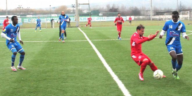 MECI AMICAL / Pandurii Târgu Jiu a remizat în meciul de pregătire susţinut cu CSM Slatina, scor 1-1