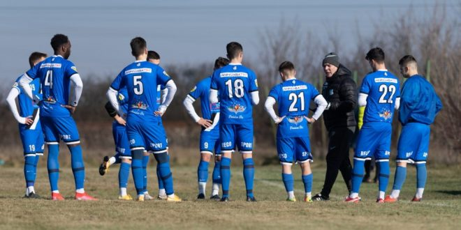 MECI AMICAL / Pandurii Târgu Jiu s-a impus cu scorul de 1-0 în meciul amical cu CSC Ghiorda și Giarmata Vii