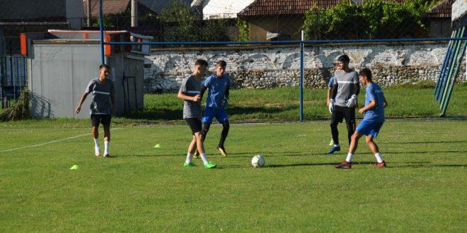 AMICAL / Pandurii Târgu Jiu va disputa un meci amical cu Flacăra Horezu