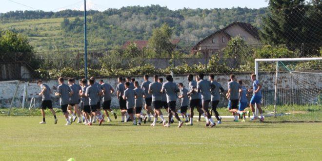 AMICAL / Pandurii Târgu Jiu va încheia stagiul de pregătire centralizată cu un meci amical